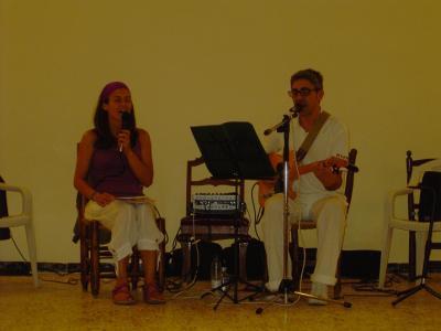Concierto Guru Bandanaa Pinoso y horarios de clase en verano.